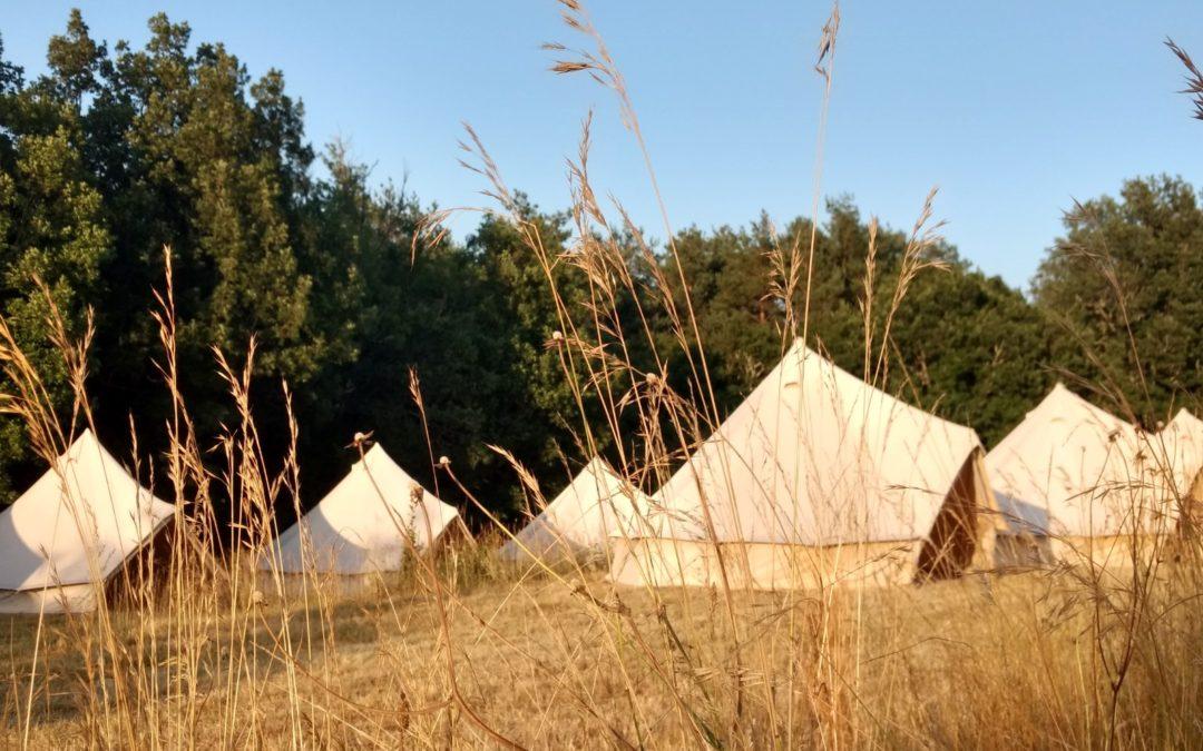 Réservez votre Bell-Tent au sein du village Typique